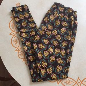 Lularoe One Size Leggings Russian Stacking Dolls